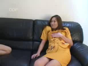 Mulheres posando nua e dando a buceta