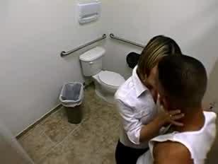 Cazzone nero orgasmo donna video porno